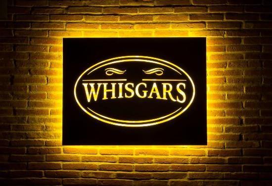 Foto van Whisgars Ploenchit Bangkok Whiskey en sigarenbar