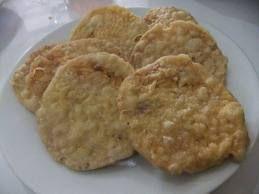 Keripik tempe adalah makanan yang terbuat dari Tempe yang diiris tipis kemudian digoreng dengan menggunakan tepung yang telah dibumbui.