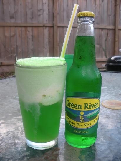 A staple when I was growing up on the South Side of Chicago.  Of course, we still buy Green River - Especially around St. Patrick's Day.  :o)