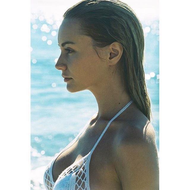 See These Model Hairstyles for Summer Hair Inspiration   slicked back beach hair on Bryana Holly