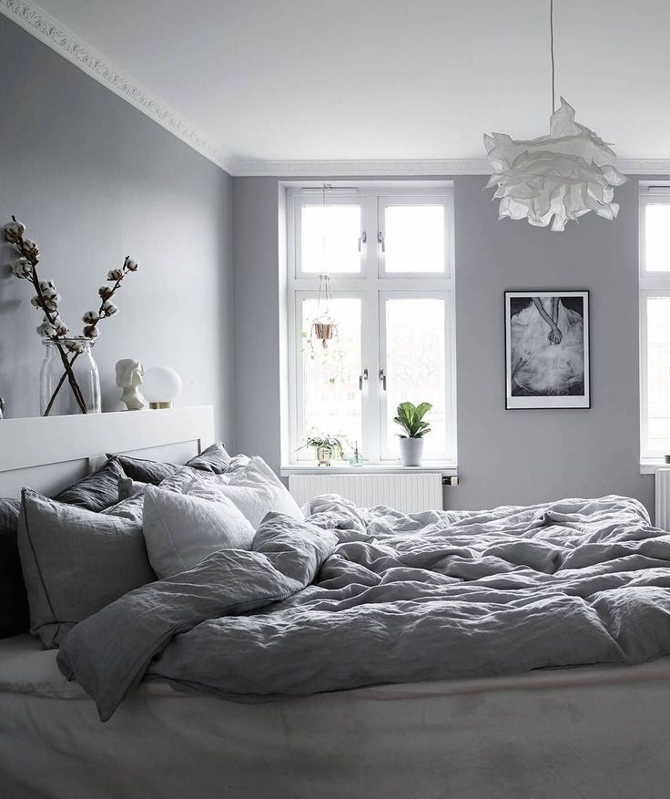 Simplistic Grey Master Bedroom: Best 25+ Gray Bedroom Ideas On Pinterest