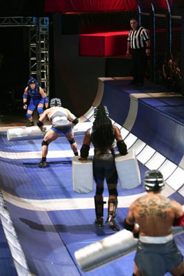 'American Gladiators' - The Events: Gauntlet