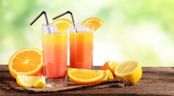 1 1/3 oz de vodka  - 2/3 oz de schnapps à la pêche - 1 1/3 oz de jus de cannerberges - 1 1/3  oz de jus d'orange  - 5 feuilles de verveine  - glaçons - tranches d'orange et de lime - Remuer les alcools, les jus et les feuilles de verveine dans un verre à mélange et laisser macérer 12 heures au frais. - Frapper dans un shaker avec des glaçons. - Filtrer sur des glaçons dans deux verres de type highball. Décorer de tranches d'orange et de lime et servir avec une ...
