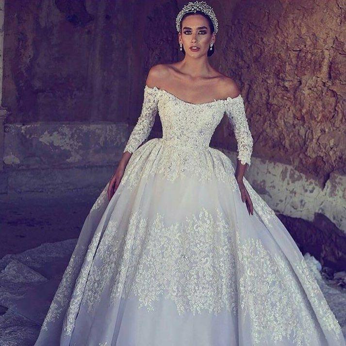 1095 best Wedding Dresses images on Pinterest   Wedding frocks ...