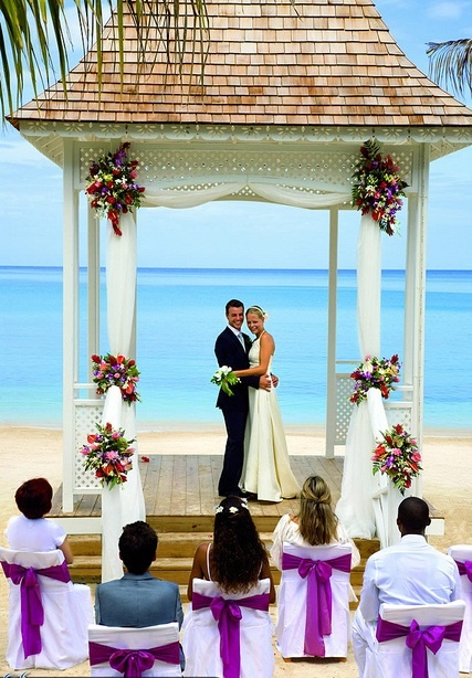 Jamaica Offers S Easy Marriage Requirements And The Riu A Variety Of Affordable Wedding Packages