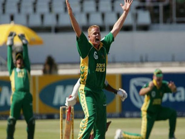 Since its early days cricket has produced many legendary players so today we're going to take a look at the 25 best cricketers of all time. Shaun Pollock