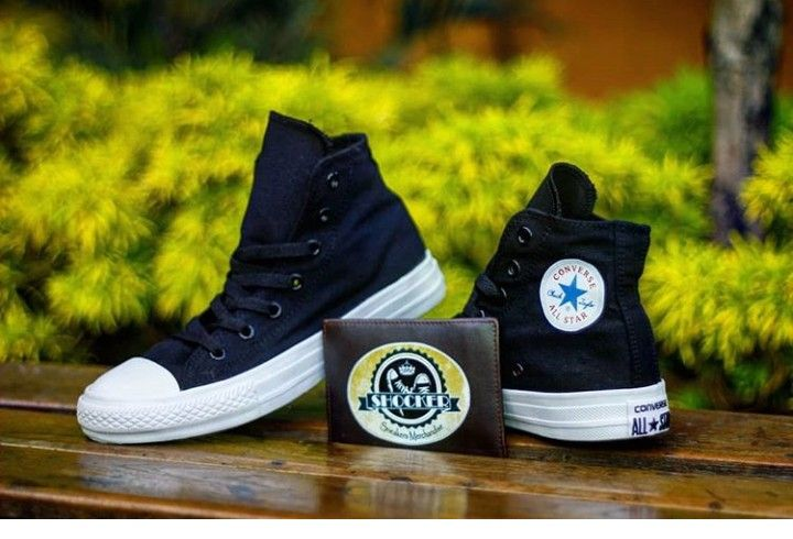 Converse Chuck Taylor As Canvas Hi Unisex Sneakers Merupakan