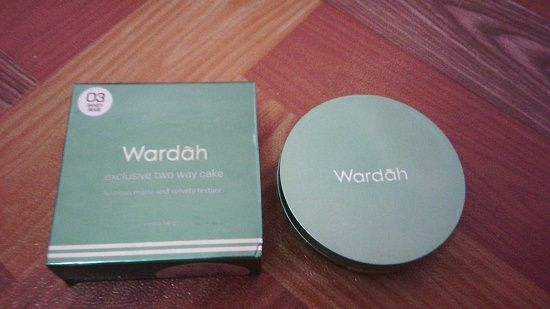 Harga Wardah exclusive two way cake - Brand Wardah merupakan produk kosmetik lokal