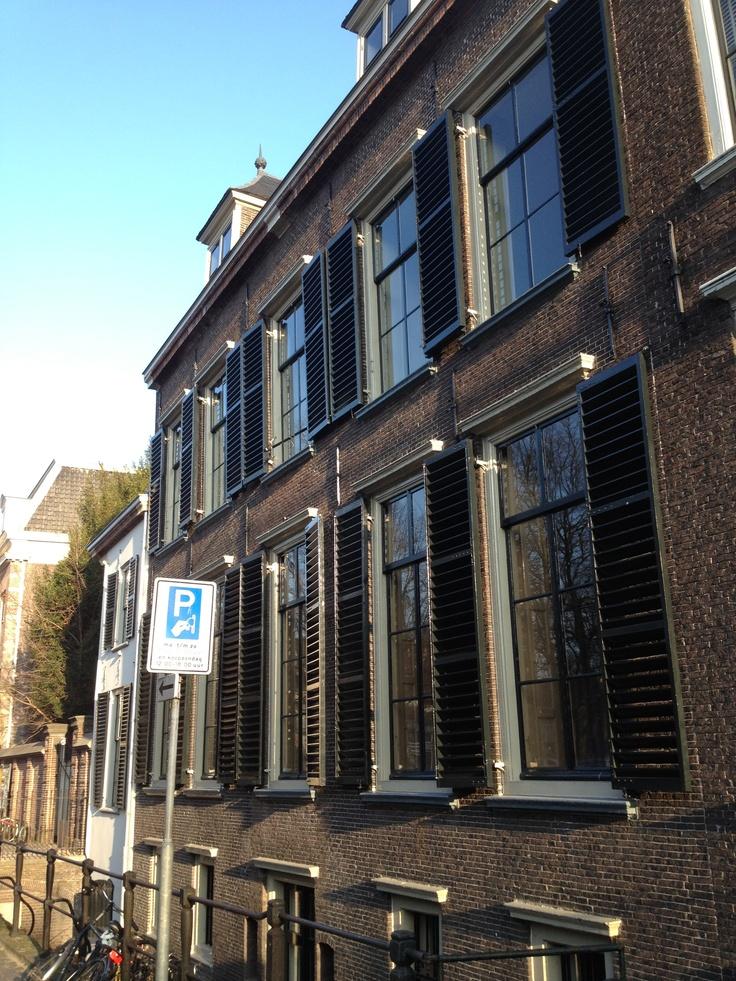 New One Shoe office @ Janskerkhof 16 in Utrecht. Building dates back to 1662.