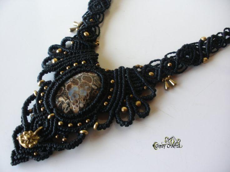 Collar fosil macrame, Handmade Fosil macrame necklace, Fosil Macrame collier. de GipsyCrafts en Etsy