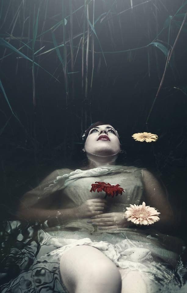 Ophelia - dark beauty magazine