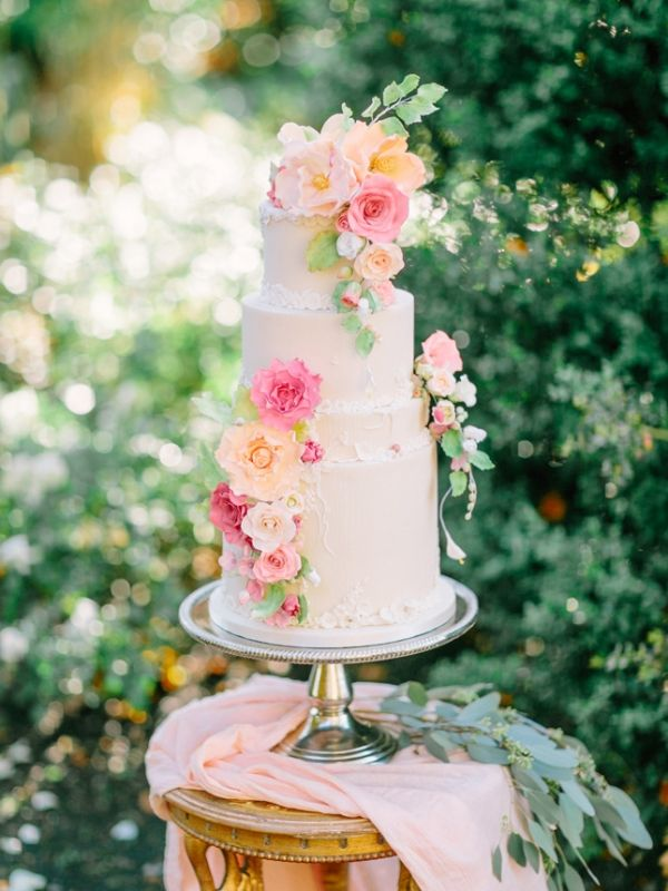 Elegant Garden Wedding Cake with Pink and Peach Sugar Flowers | Into the Light Photography | http://heyweddinglady.com/playful-elegance-pastel-peach-pink/