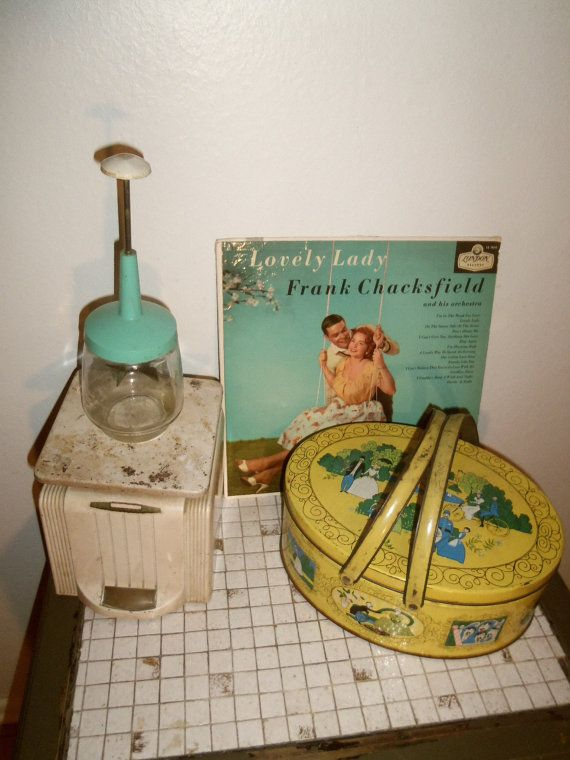 Vintage MidCentury 50s Turquoise Blender by daisylacevintage, $6.00