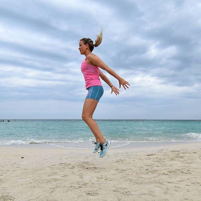 Leuke foto van een Kari Traa fitgirl in Louise Shorts en Hege Top. Bedankt Kari! 😘 #karitraa #fitness #fitnesskleding #sportkleding #taurusoutdoor #strand #dameskleding