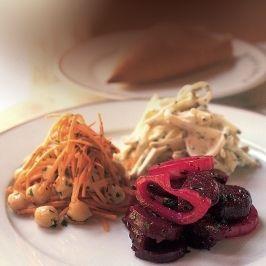 Sültcékla-saláta, Csicseriborsó és sárgarépa saláta, Zeller remuládmártással