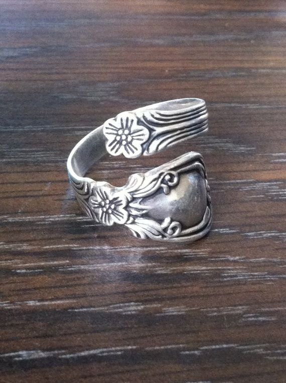 Avon Sterling Bypass Spoon Ring Floral Pattern Floral