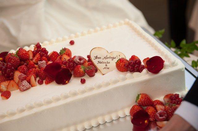 ラリアンス|結婚式場写真「オリジナル生ケーキをご提案。腕の良いパティシエが揃っているから思い通りのウェディングケーキに。」 【みんなのウェディング】