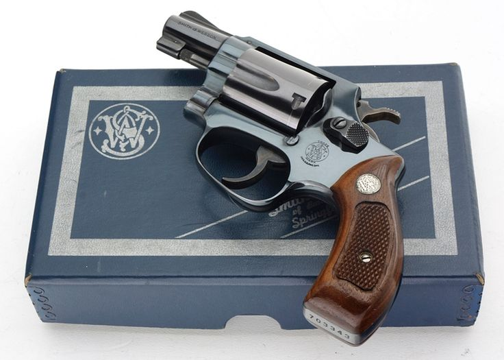 SMITH & WESSON MODEL 36 CHIEFS SPECIAL 38 SPECIAL REVOLVER