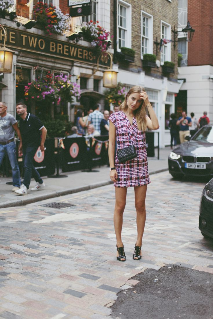 Plaid dress: Finders Keepers / Heels: ASOS / Bag: Chanel WOC / Necklace: Samantha Wills + Jennifer Zuener / Earrings: ASOS