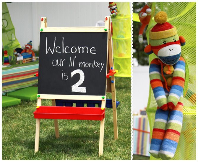{Amazing ideas for a Sock Monkey-themed Birthday Party} - #kidsparty #sockmonkey #partyideaKids Parties, Sock Monkeys, Birthday Parties, Monkeys Parties, Chalk Boards, 1St Birthday, Socks Monkeys, Parties Ideas, Birthday Ideas