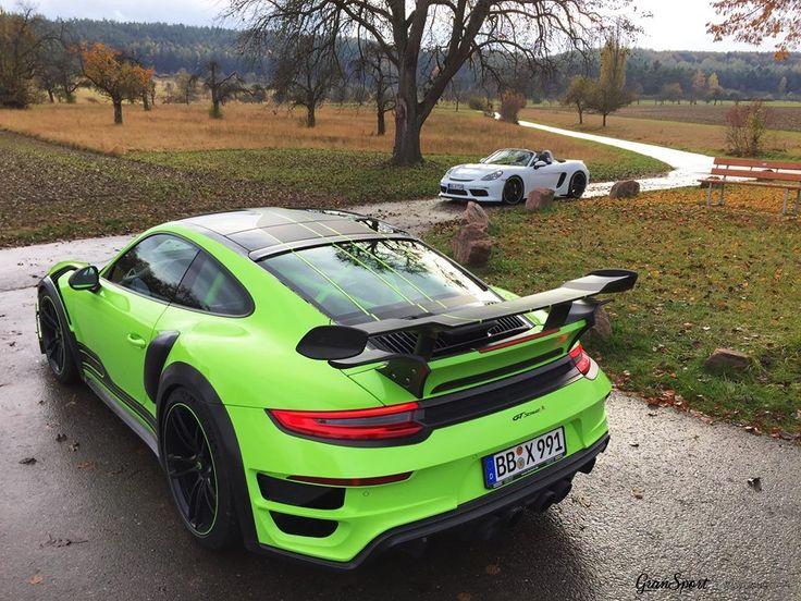 Jesień nie musi być szara 💚💚  Klasyczny roadster czy szalone coupe?  Porsche 718 Boxster z kompletnym zestawem modyfikacji TechArt oraz flagowy GTstreet R na bazie Porsche 911 Turbo S umilają czas w każdą pogodę 💪😍☔  ✔ Oficjalny Dealer TECHART w Polsce GranSport - Luxury Tuning & Concierge http://gransport.pl/index.php/techart.html