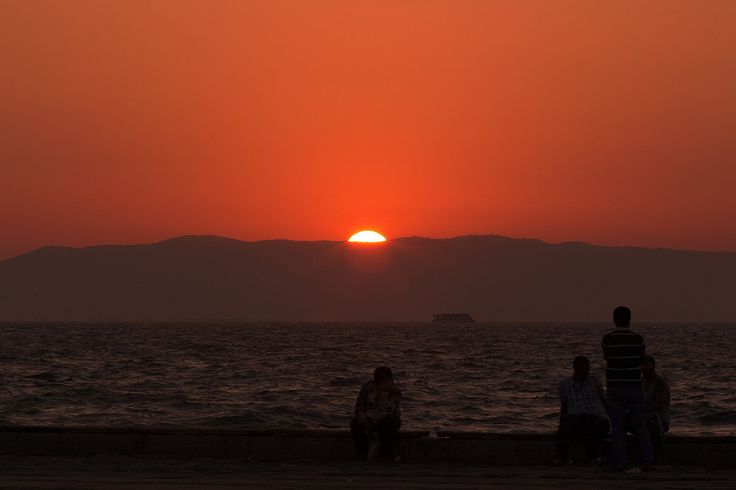 an evening in Izmir by Oğulcan Selçuk Akbulut on 500px