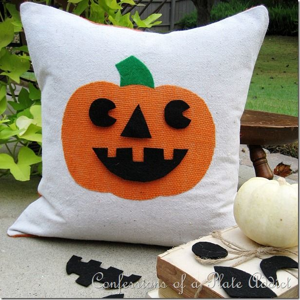 CONFESSIONS OF A PLATE ADDICT: Halloween Fun...Jack-o-Lantern Pillow with Interch...