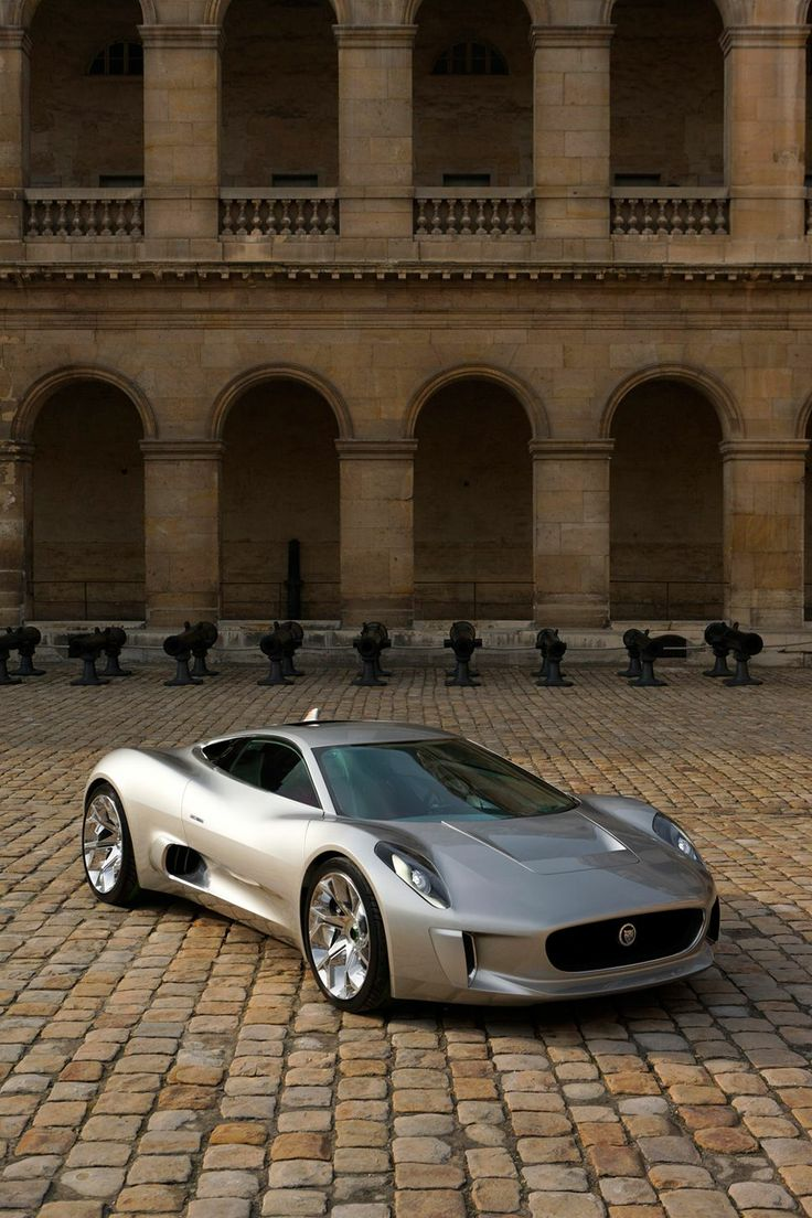 Grey Jaguar Plans 200 C-X75. Luxury, amazing, fast, dream, beautiful,awesome, expensive, exclusive car. Coche gris lujoso, increible, rápido, guapo, fantástico, caro, exclusivo.