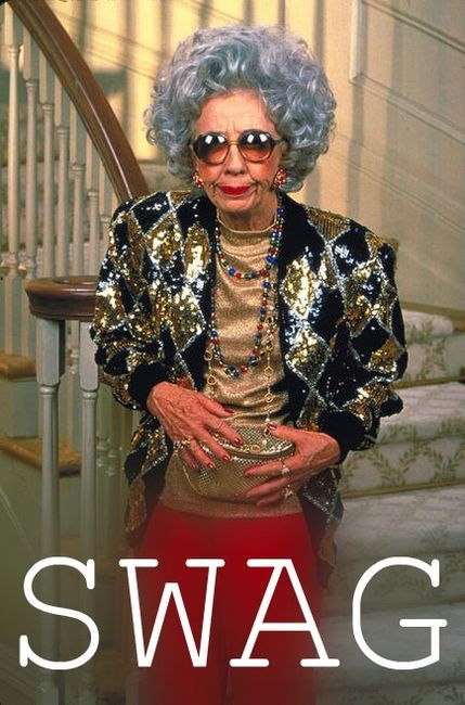 This will be me when I am old! love her & her gold fanny-pack ;)
