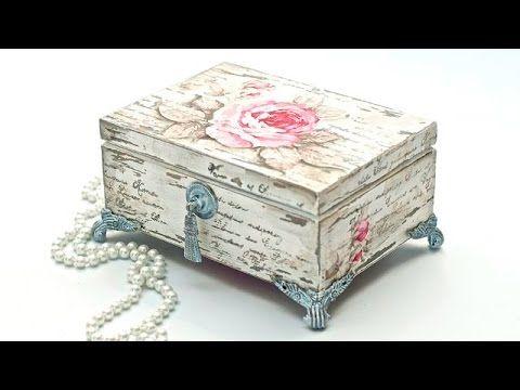Decoupage pudełko vintage postarzane przetarciami - YouTube