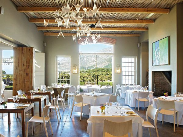 Cape Town's central southern suburbs: the best restaurants in the shadow of the table http://www.eatout.co.za/article/cape-towns-central-southern-suburbs-eat-shadow-table/