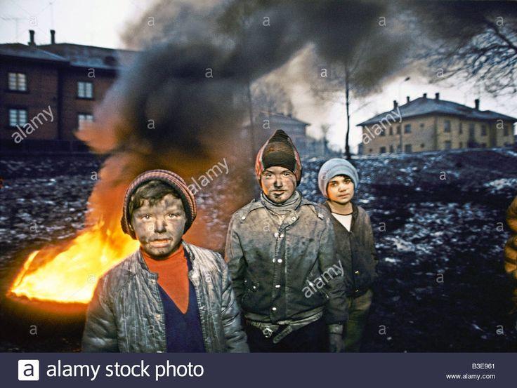 http://c7.alamy.com/comp/B3E961/children-blackened-with-dirt-and-pollution-B3E961.jpg