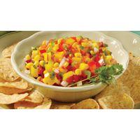 Délicieuse Salsa mexicaine au maïs et à la mangue  :-) Note : j'ai omis le jalapeno mais j'ai ajouté un filet d'huile aux piments forts !