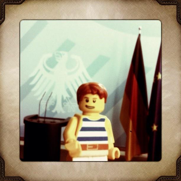 Auf Staatsbesuch #berlin #berlintourist #lego #travel - @lampenfieber- #webstagram