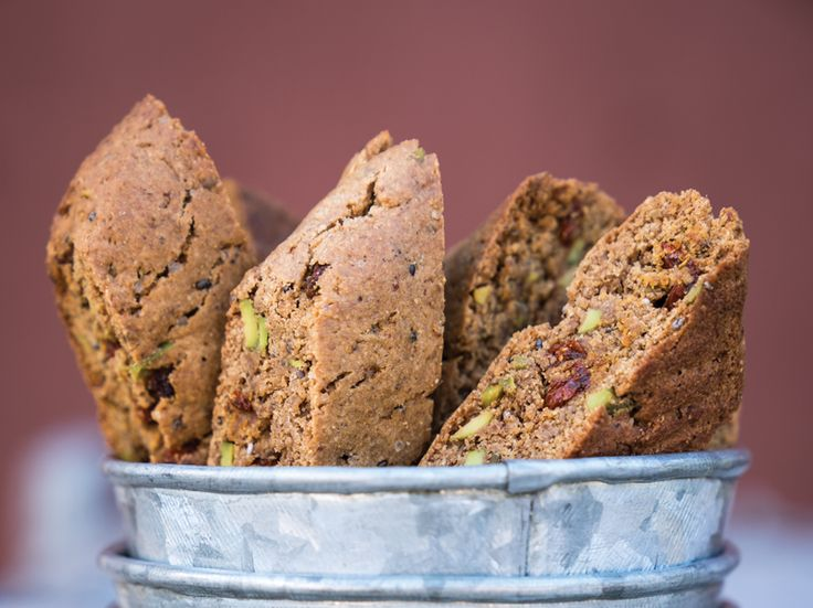Gingerbread Biscotti with Goji Berries