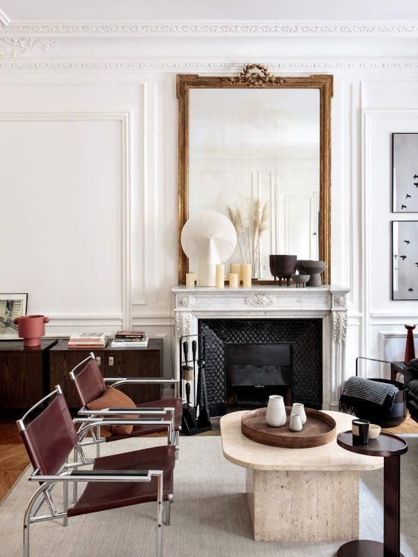 An Elegant Haussmanian Apartment With A Neutral Palette And A Retro Modern Vibe Modern Living Room Interior Interior Retro Apartment #retro #modern #living #room