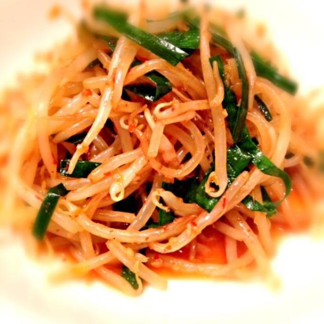 ダイエット中のヘルシーおつまみ(´▽`) - 110件のもぐもぐ - もやしとニラのナムル。これは辛い(σ゚∀゚)σ by minisaya