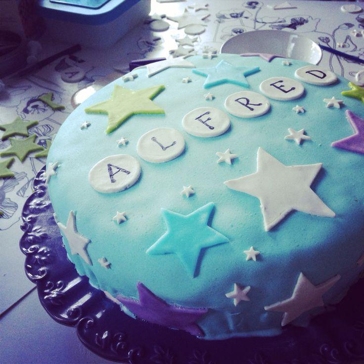 Tårta marsipan sugarpaste sockerpasta namngivning dop kalas stjärnor stars cake