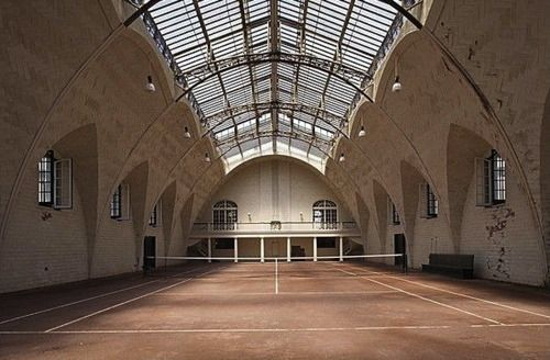 Beautiful indoor tennis court centroreservas.com
