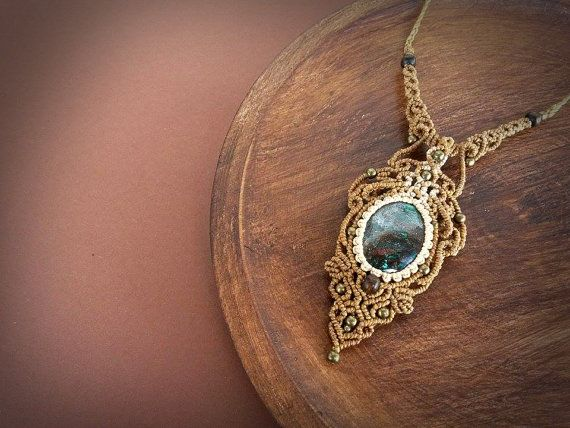 Etsy listing at https://www.etsy.com/pt/listing/260596220/macrame-necklace-with-deep-chrysocolla