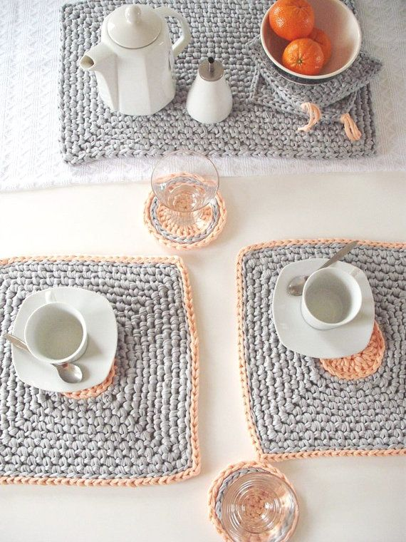 Crocheted placemats by loopinghome manteles individuales for Set de table crochet