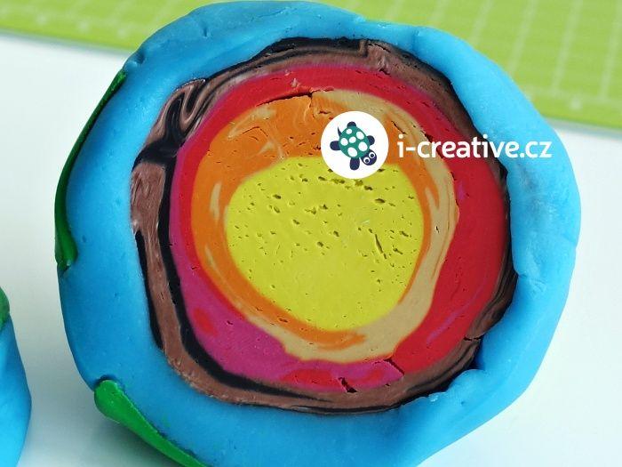 Inspirace na Den Země. Návod jak vymodelovat planetu Zemi z modelíny. Zjistěte jak vypadá zemské jádro.