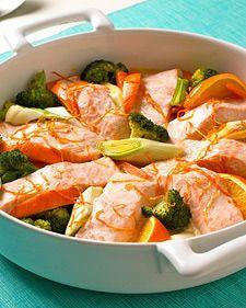 Laksefilet med appelsin og grønnsaker