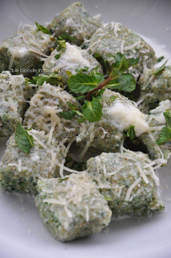 Due bionde in cucina: Gnocchi di ricotta, spinaci e menta - Donna Hay