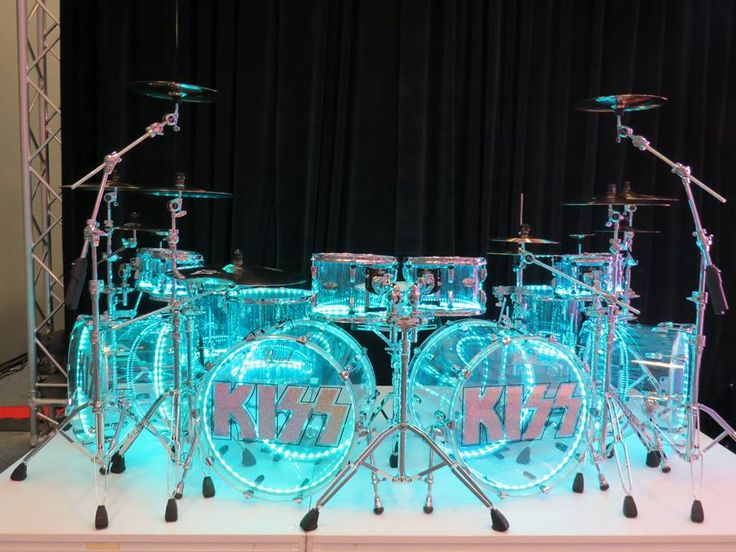 Eric Singer Crystal Beat Series kit with Drumlite package