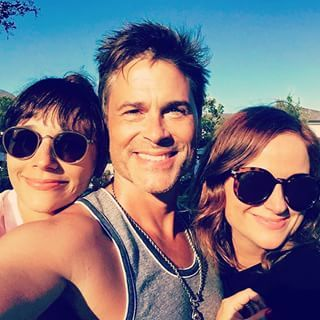 This is just a very important announcement that Amy Poehler, Rob Lowe, and Rashida Jones spent the holiday weekend together. | Amy Poehler, Rashida Jones, And Rob Lowe Spent July 4th Together