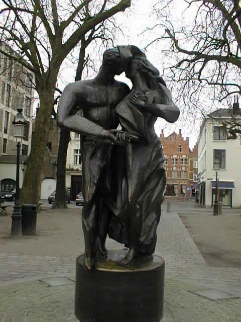 Monument kissing lovers in Ankara, Turkey