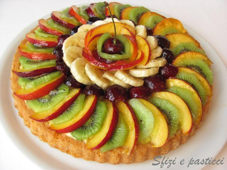 Non è una crostata, anche se può sembrare, è una vera e propria torta morbida decorata però come una crostata! Non avevo mai provato questa ...