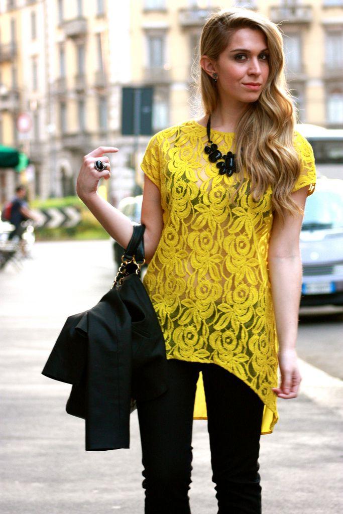 yellow lace shirt: Yellow Flowers, Belle Au, Women Fashion, Celebs Fashion, Yellow Mullets Dresses, Street Style, Fashion Trends, Fashion Numbers, Lace Shirts
