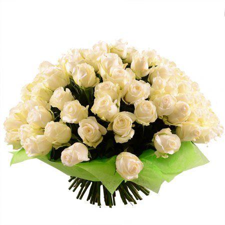 101 белая роза - это мечта всех представительниц слабого пола! Нежные бутоны красноречиво расскажут о том, как сильно даритель благодарен, влюблен, восхищен, искренен. И, конечно же, шикарный букет из нежных, ароматных, светлых цветов поможет признаться в любви, красиво сделать предложение руки и сердца или просто красиво поздравить с Днем рождения, свадьбой, юбилеем.